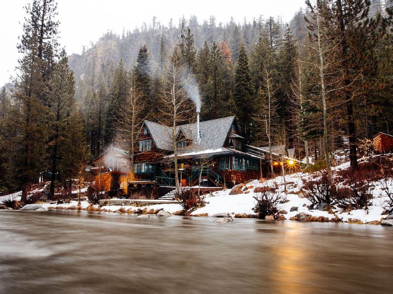 Squaw Valley Truckee River Estate – semesterbostad i Tahoe City