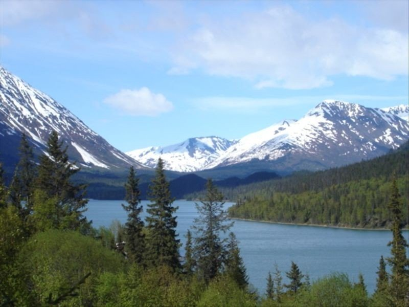 Private Awesome View w/Hot Tub, Wi-Fi,Cell-Alaska:Right Out the Windows, aluguéis de temporada em Moose Pass