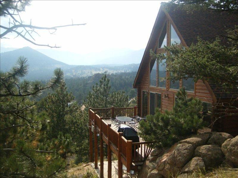 Stunning Rocky Mountain View - Mont Blanc Chalet lic#278-P, alquiler de vacaciones en Estes Park