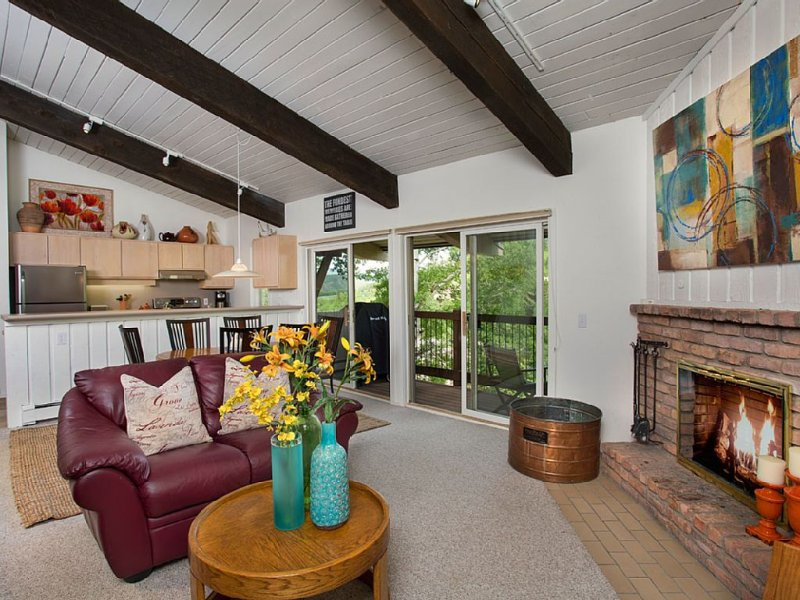 Best Rates!! Spacious top floor  2 Bed/2 Bath + Loft with new Washer & Dryer, casa vacanza a Snowmass Village
