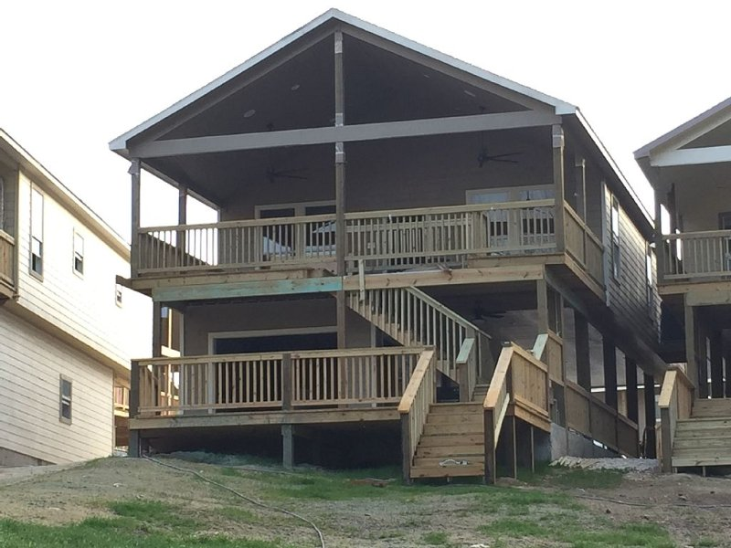 River Road Villas #2 - Brand New 4/3 River Front House; Put Your Toobs in Here!, holiday rental in New Braunfels