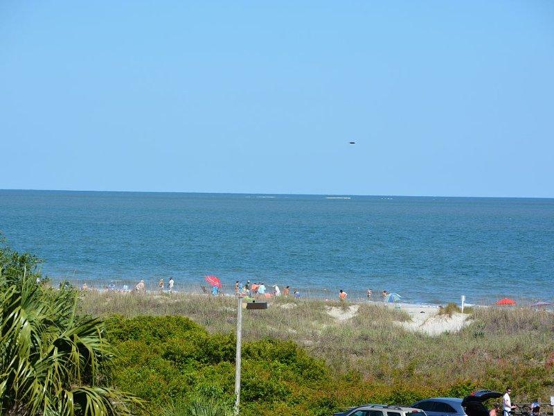 AUG 8-15& :3RD FL OCEANVIEW & SUNRISE VIEW, 50 yd to BEACH, 2B /2B, 2 POOLS,WIFI, location de vacances à Bluffton
