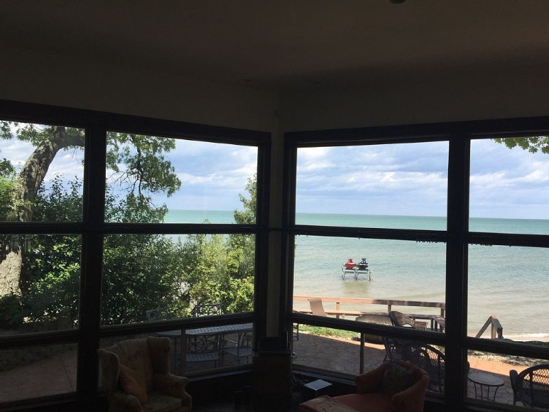 Magnificent Beach House on Sand Point, Caseville, Michigan, holiday rental in Au Gres