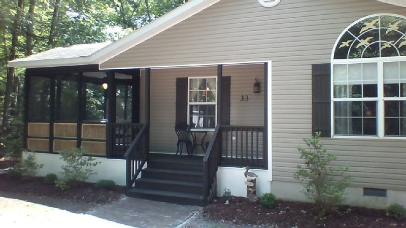 Beautiful Quiet Beach Home in the Pines Close to Everything, casa vacanza a Ocean Pines