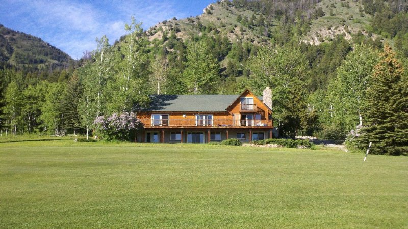 Lodge on the Golf Course in Star Valley Ranch, WY.  Best View and location!!, casa vacanza a Afton