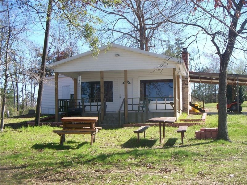 3/2 Home with Awesome Views and Your Very Own Private Pier., holiday rental in Milam