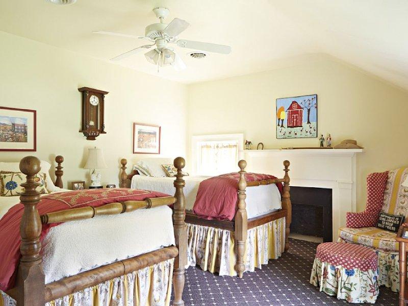 Robert's bedroom, twin (modified rope) beds