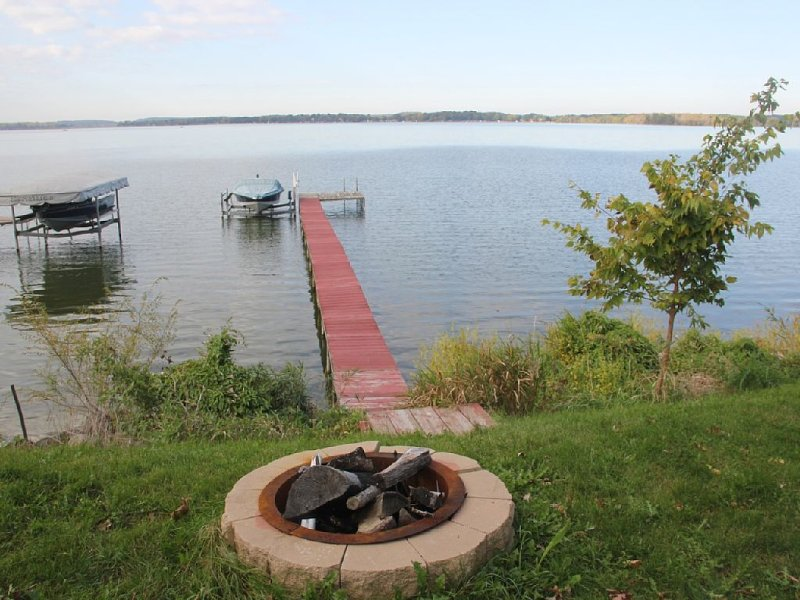 Quiet Peaceful getaway- Great weekly summer discounts!!, alquiler de vacaciones en Madison