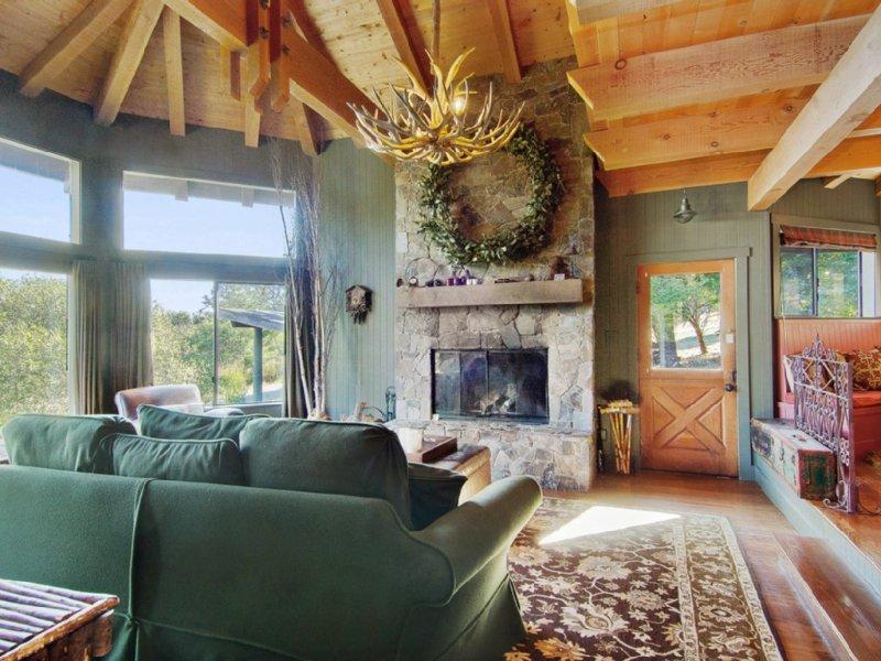 Romantic Lodge in Point Reyes/Inverness: 'Mankas-esque Retreat', alquiler vacacional en Nicasio