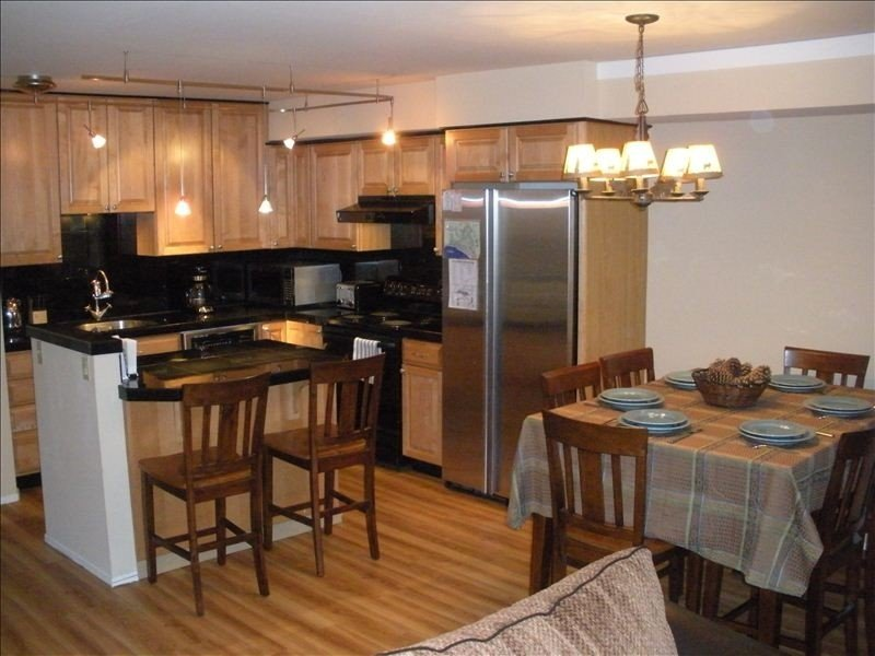 Close to Ski and Sledding! Great Location! Family Friendly Close to Beaches, location de vacances à Incline Village