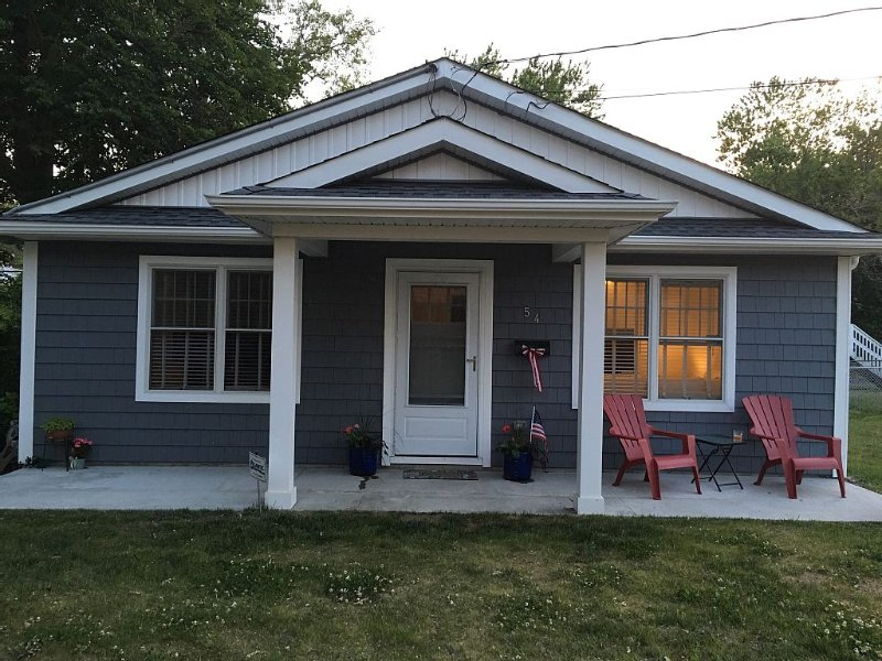 Perfect Location Family Friendly Beach House Memorial Day week and August 2017, vacation rental in Highlands