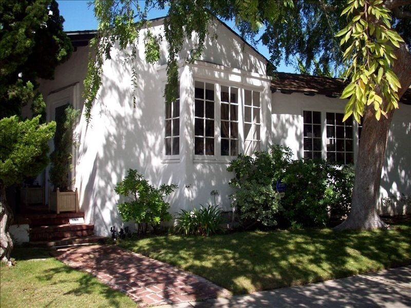 Beautifully Furnished Classic Cottage in the Village, vacation rental in La Jolla