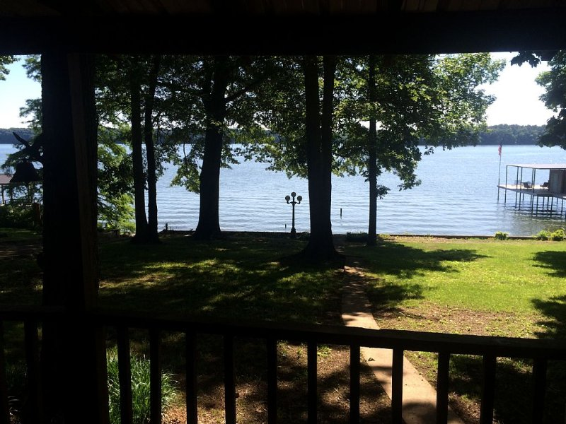 Lake Front Home With Gorgeous Views Of Pickwick Lake, location de vacances à Sheffield