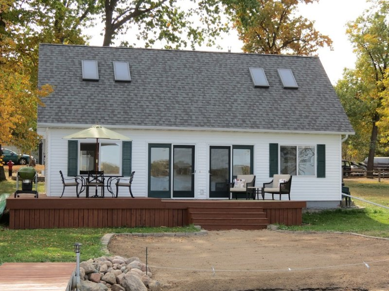 Lake House Is Close To Minneapolis, But Far From Your Normal Routine., casa vacanza a Isanti