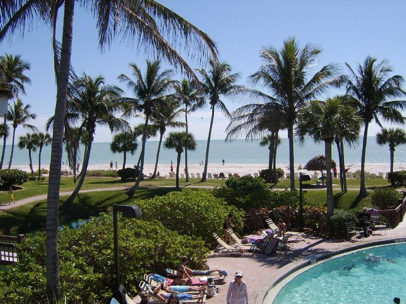 5/6 week open $1100+ tx  Spectacular Gulf View Pt Santo Ground Flr 2BR Condo, holiday rental in Sanibel Island