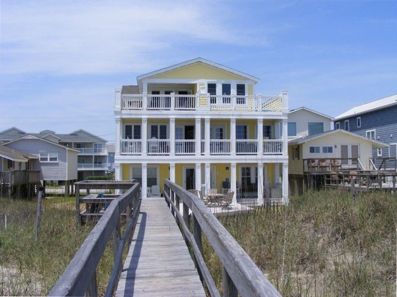 Oceanfront Duplex with Great Decks  and Wifi, vacation rental in Kure Beach