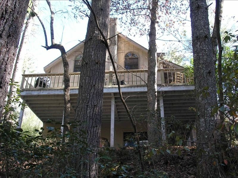 N. Ga Wine Area- 4BR Cabin on Trout Stream-Hot Tub & Game Room - Near Helen!, alquiler vacacional en Cleveland