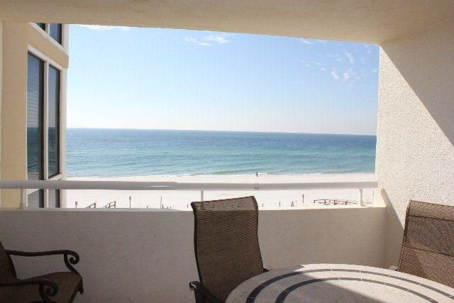 Beautiful beachfront condo! August available, weekly discounts!, holiday rental in Perdido Key