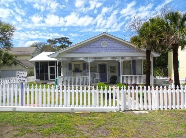 Inlet Breeze - Quaint Vacation Rental House, holiday rental in Tybee Island