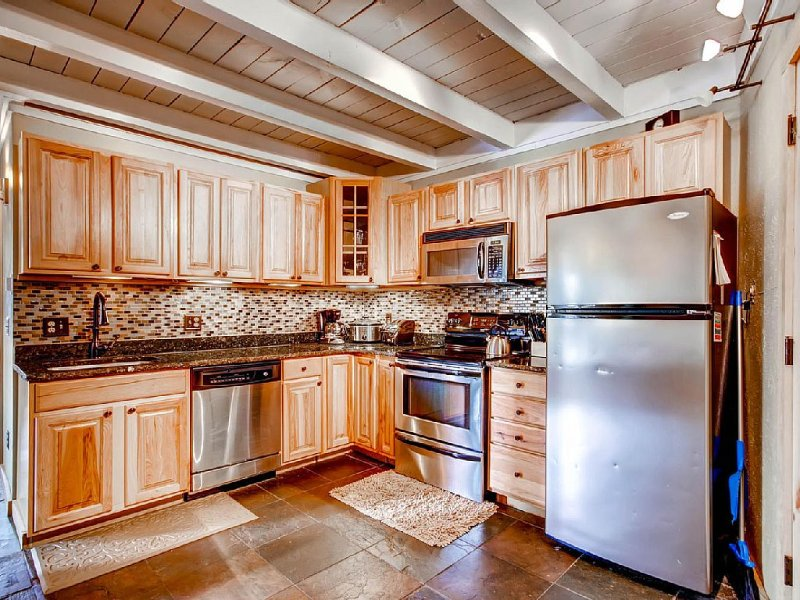 Upgraded Condo, Great Location/Price, 2BR/2BA, Sleeps 6, location de vacances à Silverthorne