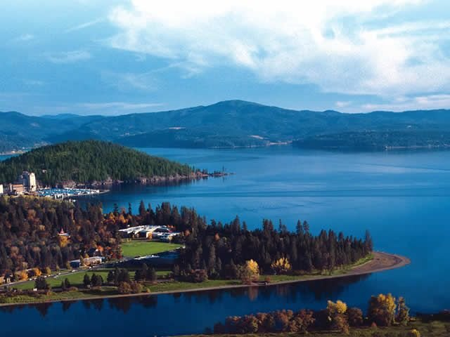 DOWNTOWN COEUR d'ALENE COTTAGE (pet friendly) :), holiday rental in Coeur d'Alene
