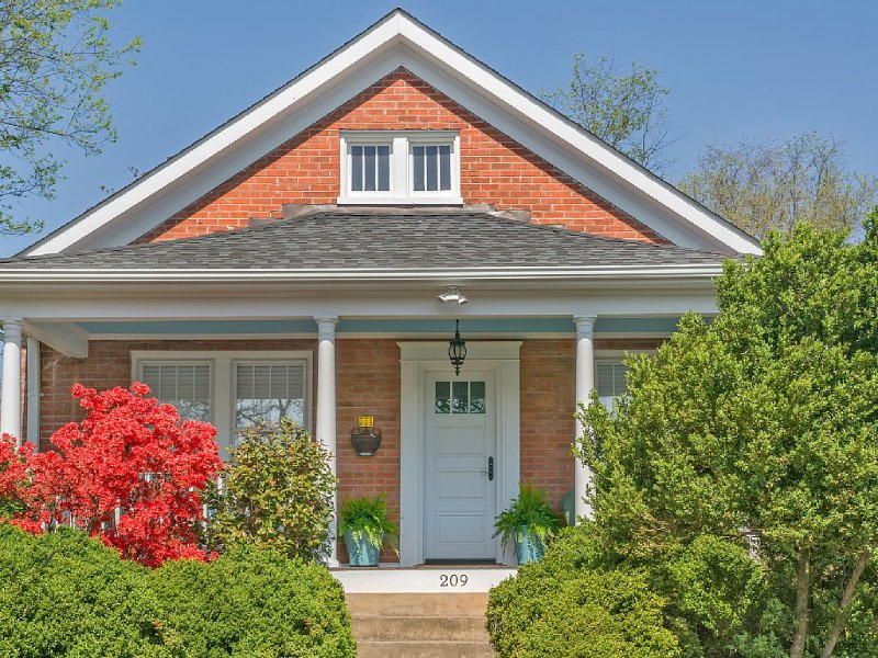 Renovated Belmont Bungalow, Walk to Restaurants, DT, UVA, Attractions, vacation rental in Charlottesville