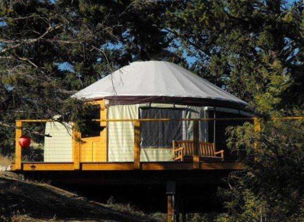 Yurt Overlooking Flathead Lake, location de vacances à Somers