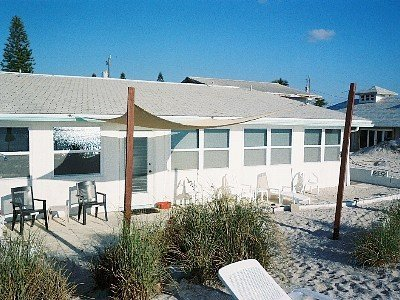 Your Door Opens Right Onto the Beach!  Our private beach is OPEN!, vacation rental in Englewood