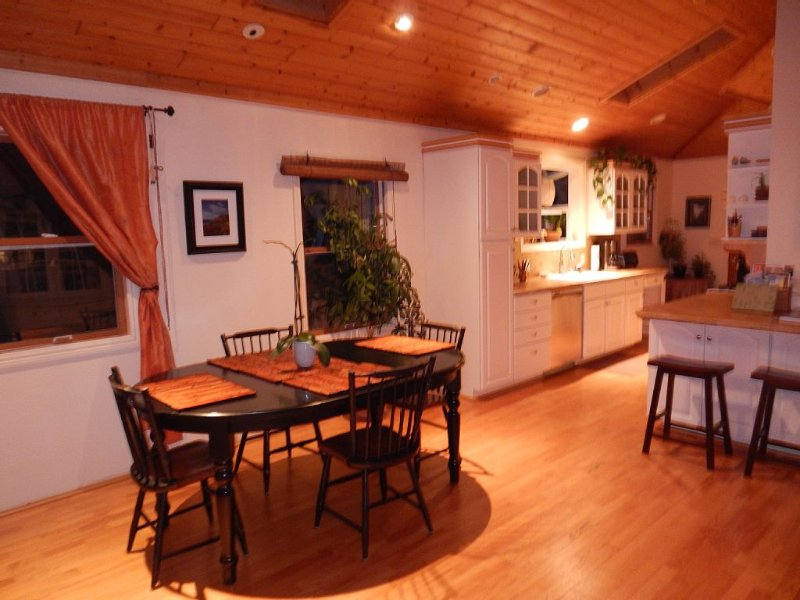 Lovely Home, Huge Yard, Ideal Location, holiday rental in Monterey County