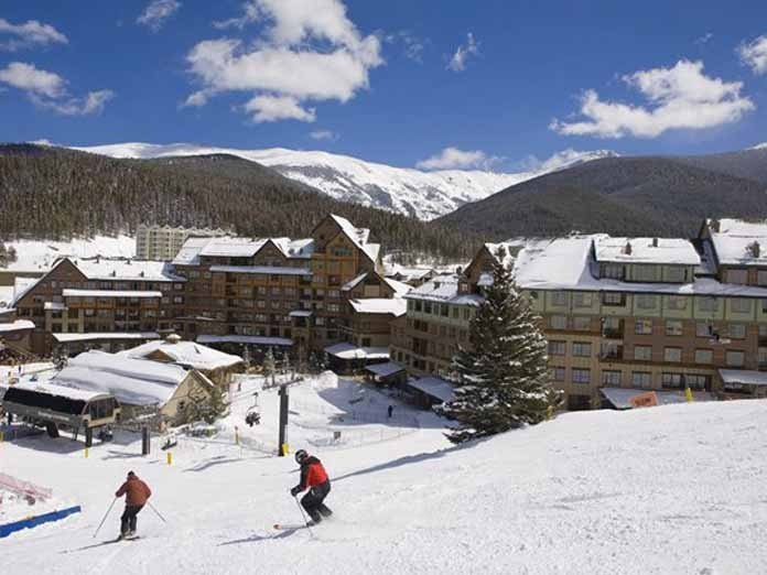 Awesome Views! Upgraded condo, Ski in ski out,views of slopes from every window, casa vacanza a Winter Park