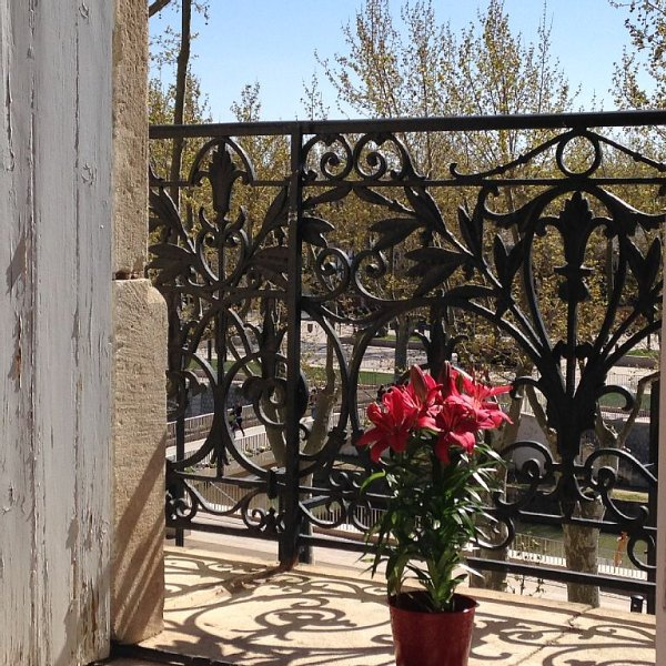 April in Narbonne