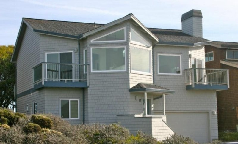 Front of house, all front windows have ocean views