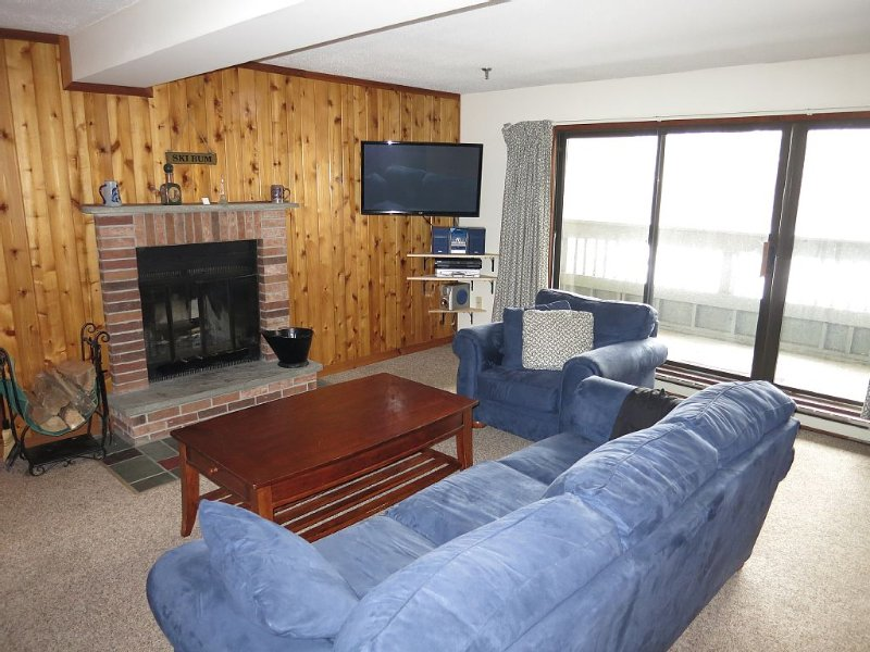 Luxury 1 Bed Condo with Indoor (and Outdoor) Swimming Pools, Jacuzzi, Gym, location de vacances à Killington