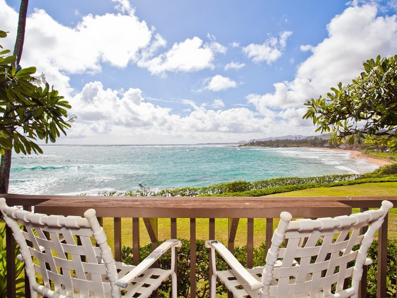 Oceanfront on Kauai starting at $140/night!, vacation rental in Kapaa