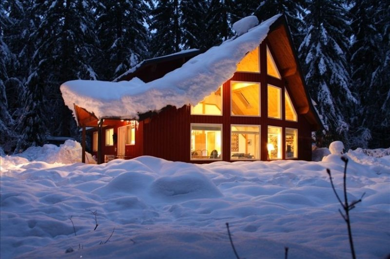 Home Near Crystal Mountain, Mt Rainier and Chinook Pass, holiday rental in Greenwater