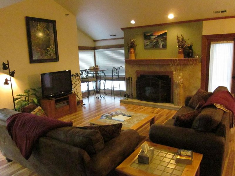 Walk to Ski, Enjoy Comfort, Fun, and Views,, vacation rental in Park City
