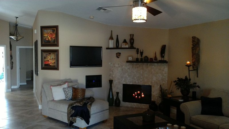 Spectacular Rosa Mountain Views in Stary  Cozy La Quinta Cove, holiday rental in La Quinta