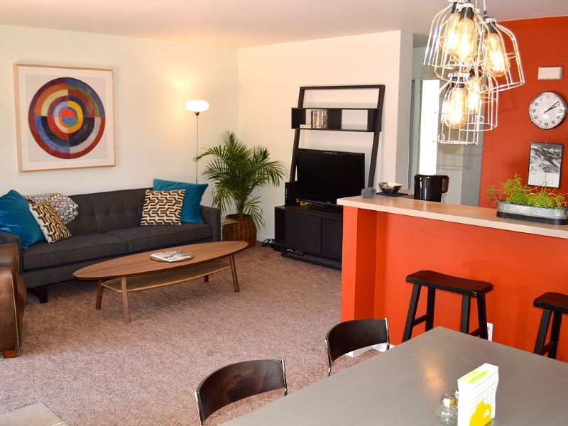 Stylish Condo in Downtown Carbondale, vacation rental in Redstone