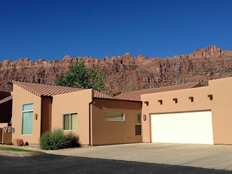 Moab Magic! - Rim Village Townhome - Sleeps 8, vacation rental in Moab