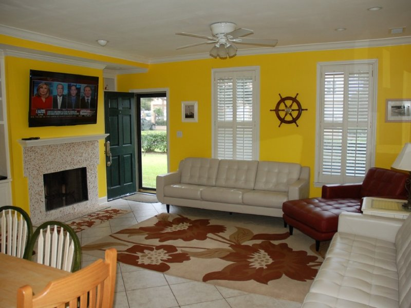 OCEANVIEW  CONDO - 100 YARDS TO THE BEACH!, holiday rental in Saint Simons Island