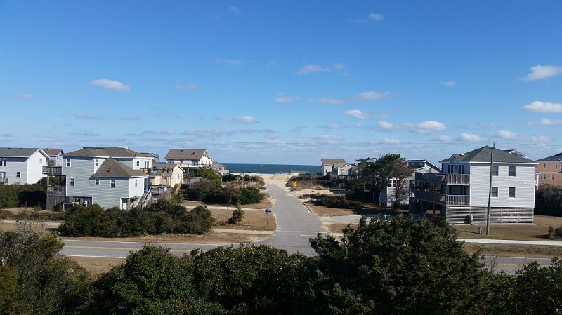 Quick beach access, dog friendly, linens provided, AM check in, 2PM check out., alquiler de vacaciones en Nags Head