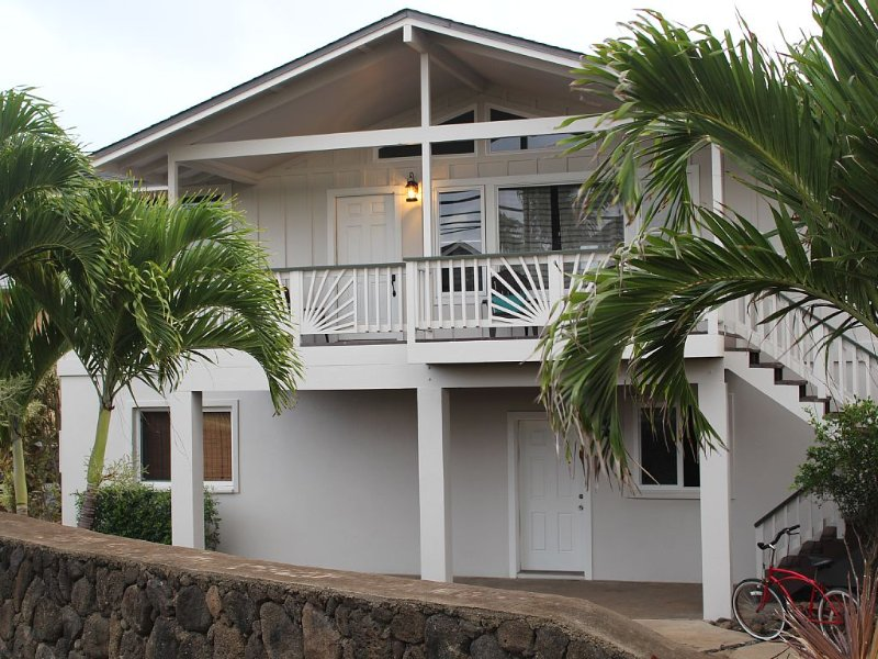 3 Bedroom, Partial Ocean View, with A/C, Close to Hukilau Beach, 30 Day, holiday rental in Punaluu