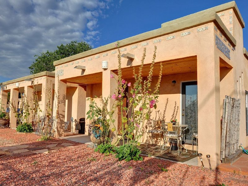 OLD TOWN - Great Historic old adobe, holiday rental in Albuquerque
