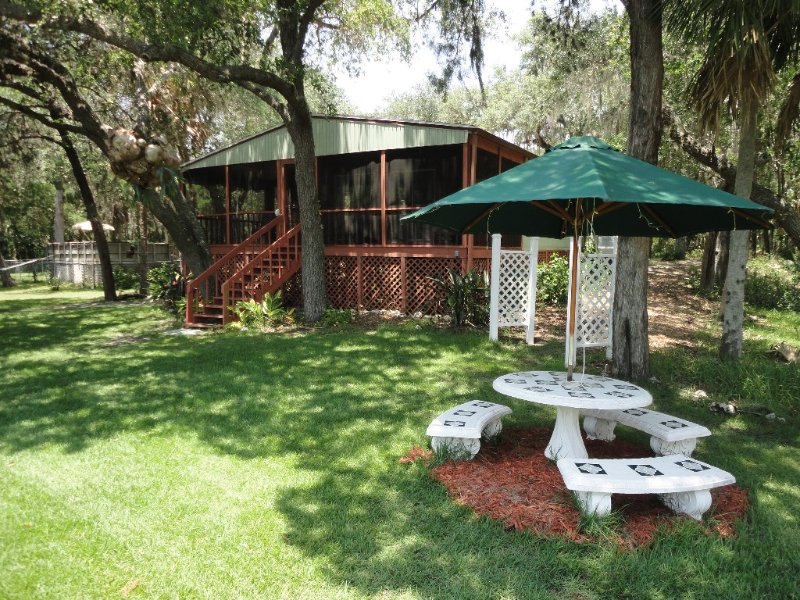 Tranquil-Waterfront-Nature Coast-Cottage, holiday rental in Homosassa