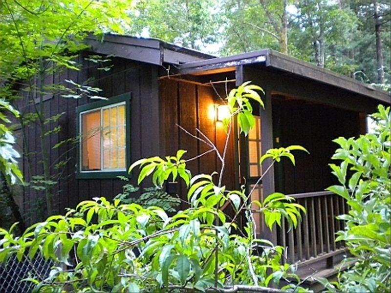 Hawaii in the Redwoods: a Romantic Retreat for Two Near the Russian River, holiday rental in Duncans Mills