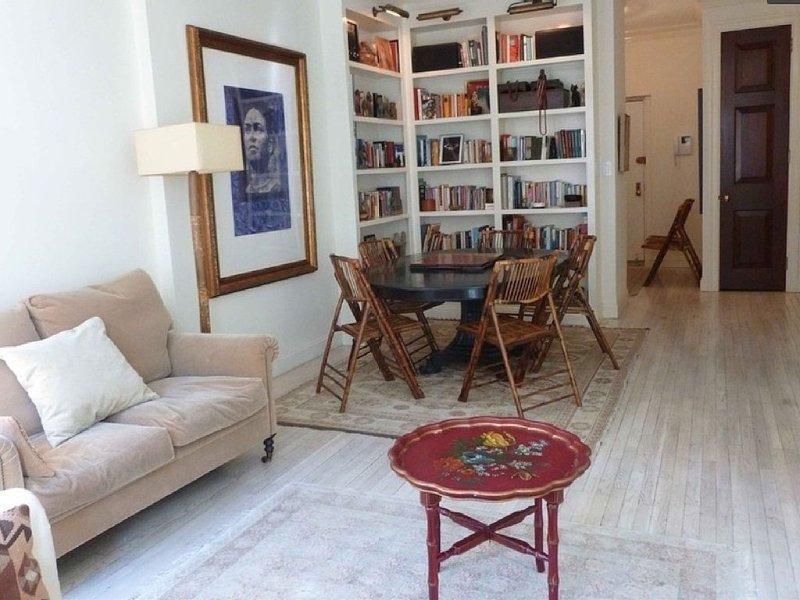 Elegant SOHO One Bedroom, vakantiewoning in New York