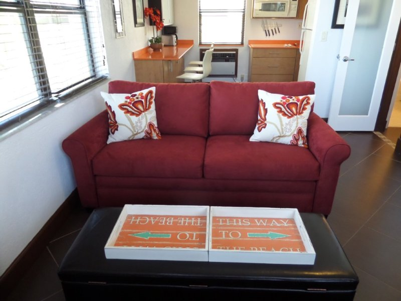 Bargain! Just (A Few Less) Steps From The Boardwalk And Beach In Hollywood, holiday rental in Hollywood