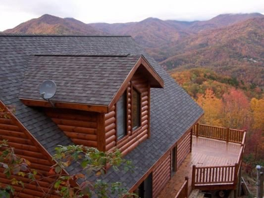 'Over the Edge' Luxury Log Cabin with Amazing Views, holiday rental in Whittier