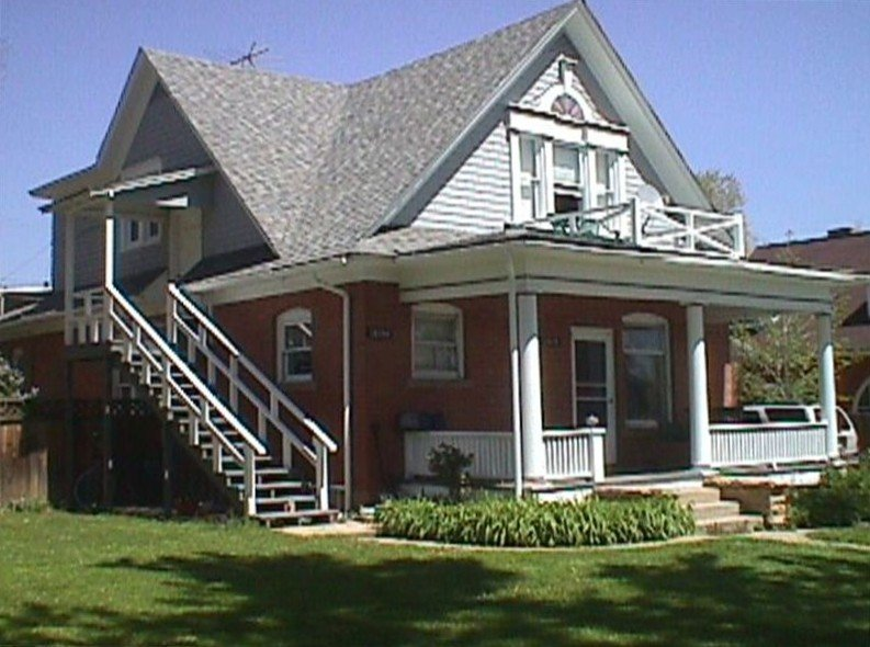 Downtown Victorian Charmer Main Level, holiday rental in Boulder
