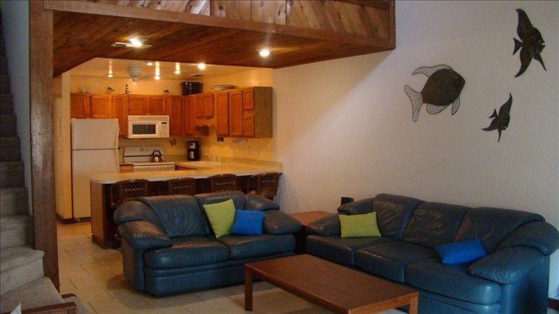 BEACH BLOCK TOWNHOME, holiday rental in Cape Canaveral